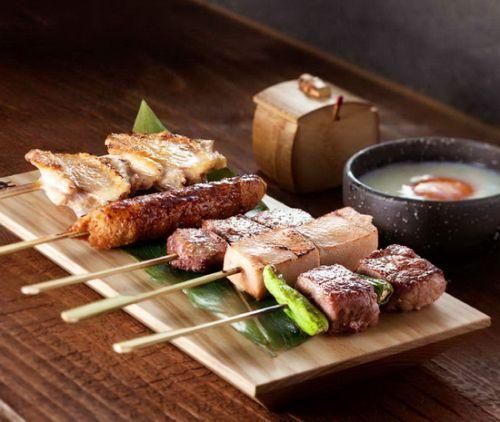 串烧拼盘,权八用的是最顶级的纪州和歌山备长炭。