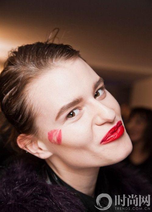 口红虽美 可是唇色用错场合就不美了