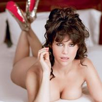 卡拉·古奇诺 40岁的魅惑