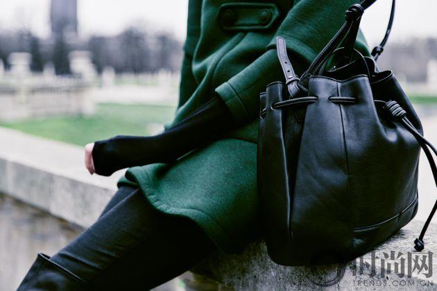 chriselle_lim_green_coat_paris_luxemberg-5