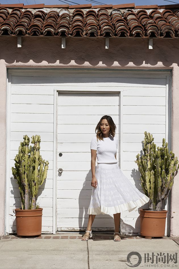 aimee_song_of_style_chanel_white_top_chanel_skirt_chanel_sandals
