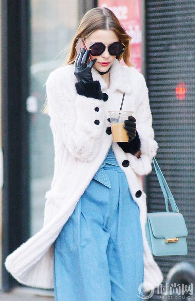 the-coolest-sunglasses-for-spring-according-to-celebrities-1670021-1456270431.640x0c