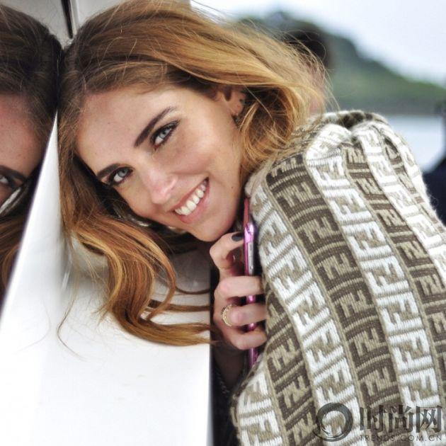 Chiara Ferragni X ochirly六月新品拍摄花絮3